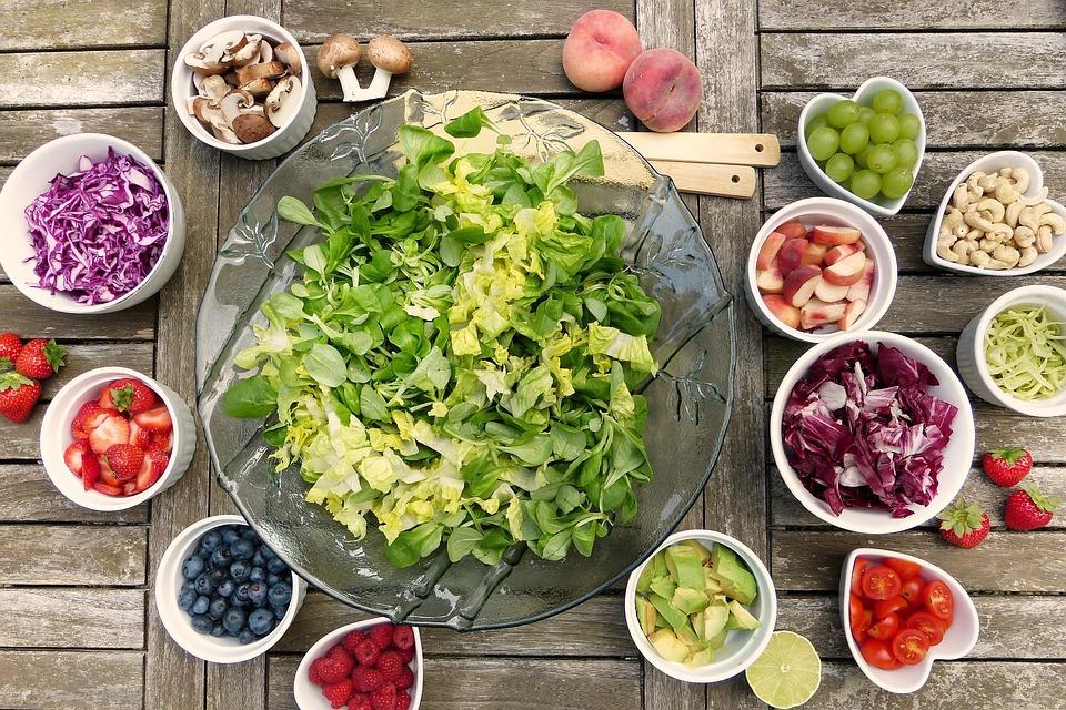 reguli alimentare - poză salată