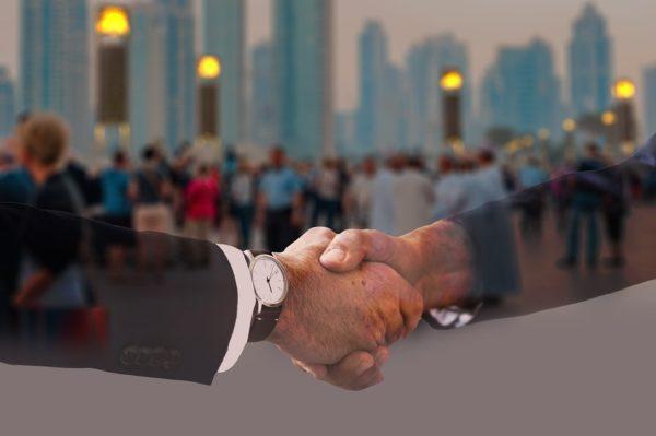 relaţiile interumane şi cum strângi mâna