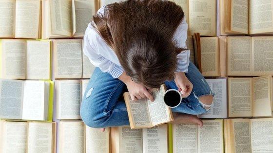 un text argumentativ despre rolul lecturii in dezvoltarea personala